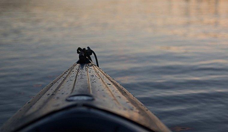 На озере у села Кундравы перевернулась лодка с детьми