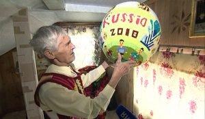 Комната 72-летнего умельца похожа на спортивный фанклуб