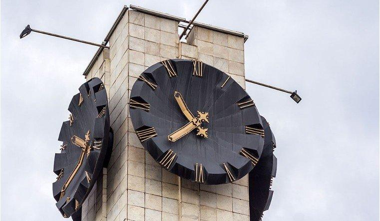Часы путанные