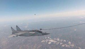 Дозаправка в воздухе Миг-31