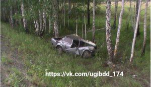 ВАЗ улетел в кювет а трассе в Аргаяшском районе