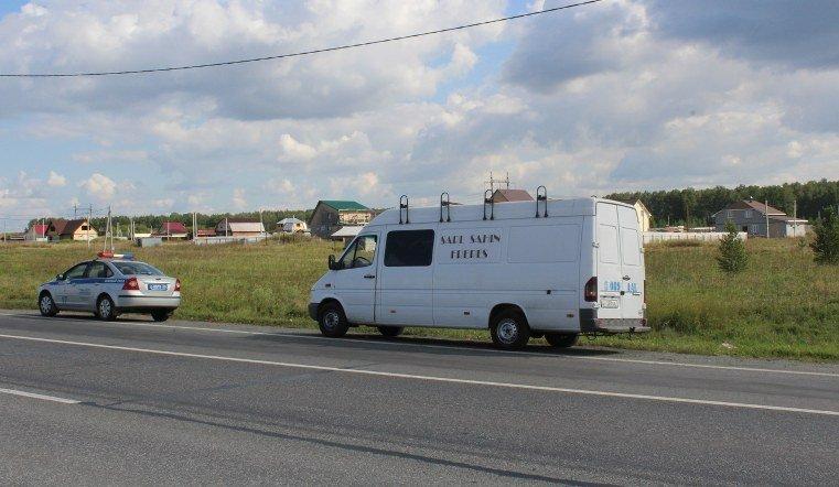 На Южном Урале задержали фургон с 13 иностранцами