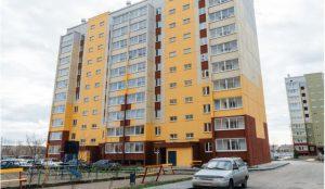 В Челябинске разбилась девушка. упав с 6 этажа