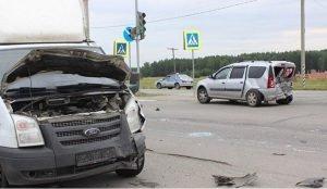 Лада Ларгус с пятью детьми попала в аварию в Южноуральске