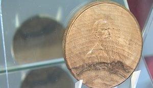 Деревянная медаль к 80-летию Толстого