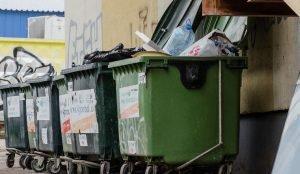 В мусорном баке в Челябинске нашли тело убитой женщины
