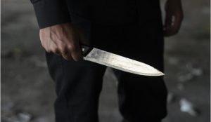 Житель Кыштыма напал на 16-летнего парня с ножом