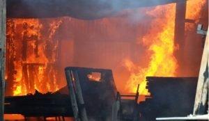 При пожаре в Кунашакском районе погибли отец с маленьким ребенком
