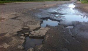 Суд обязал миндортранс отремонтировать дорогу