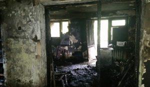 При пожаре в общежитии Златоуста погибли мать и 8-летняя дочь