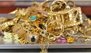 Житель Магнитогорска присвоил золото 33 клиентов