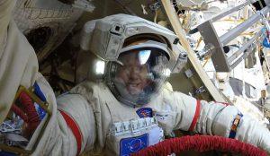 Челябинцев поздравил космонавт Олег Артемьев
