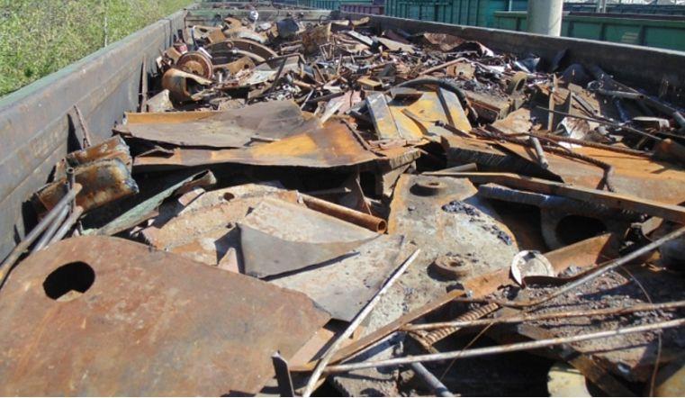 Магнитогорец предстанет перед судом за кражу полутоннны металла у железной дороги