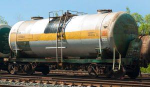 На станции Челябинск-Главный дала течь цистерна с соляной кислотой
