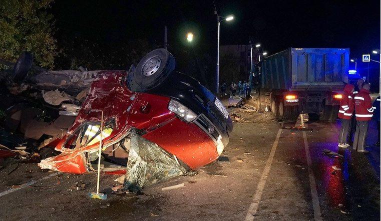 11 человек погибли на трассе в аварии