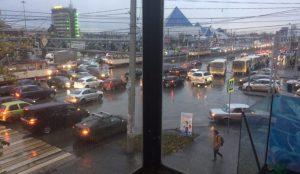 У железнодорожного вокзала в Челябинске не работает светофор