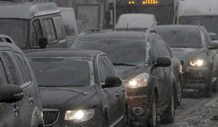 Это коллапс. Из-за снегопада Челябинск сковали гигантские пробки