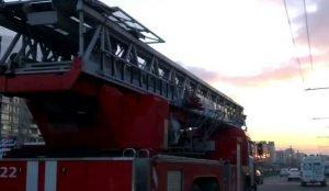 В Челябинске загорелась больница