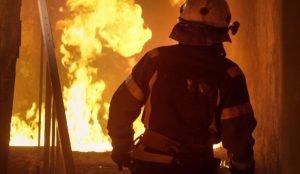 При пожаре в Бакале спасли 4 человек
