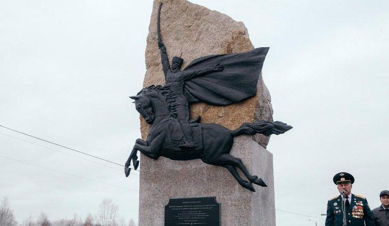 На Южном Урале открыли памятник героям Башкирской дивизии