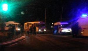 Женщина попала под колеса маршрутки в Челябинске