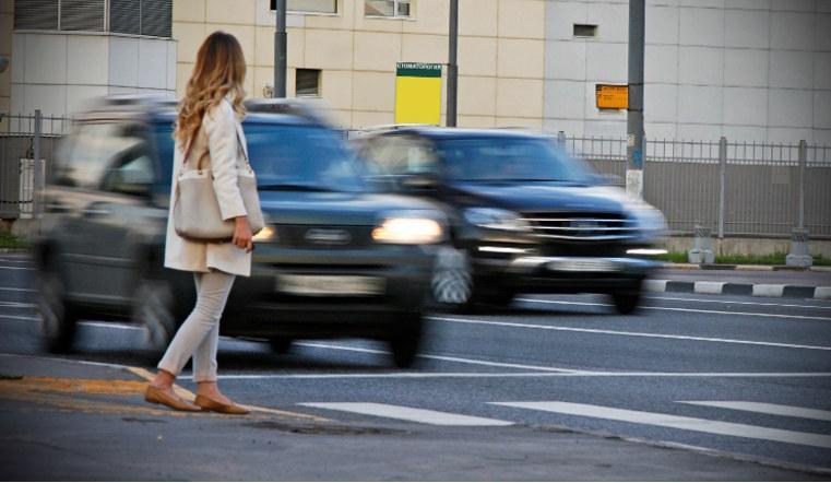 Водителей на Южном Урале могут подстерегать мошенники на пешеходных переходах