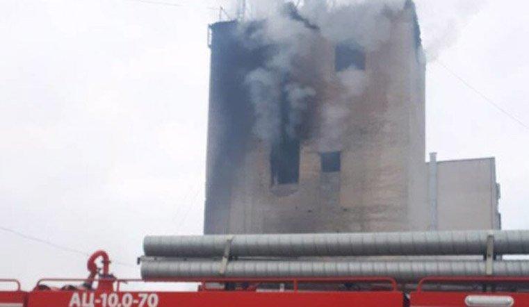 Огромная пробка. Центр Челябинска перекрыли из-за пожара