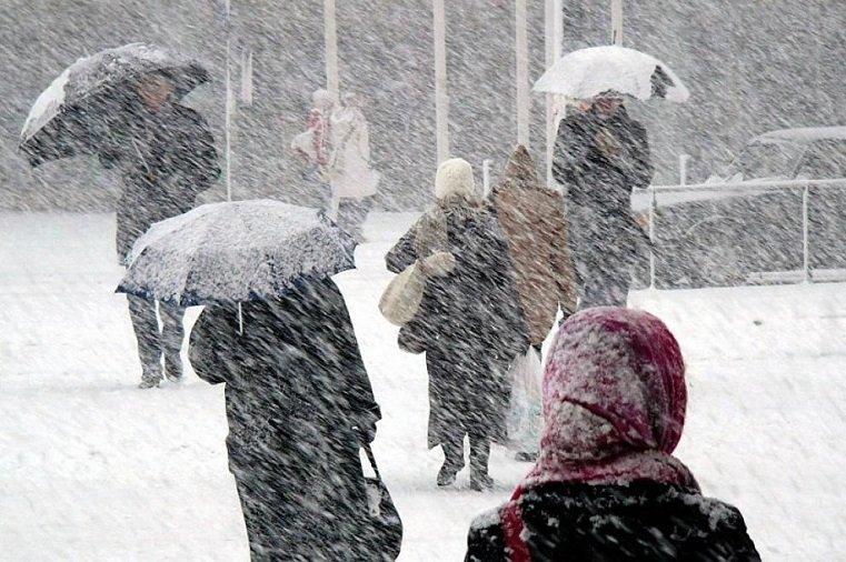 Угрожающая погода. Сильный снегопад накроет Урал