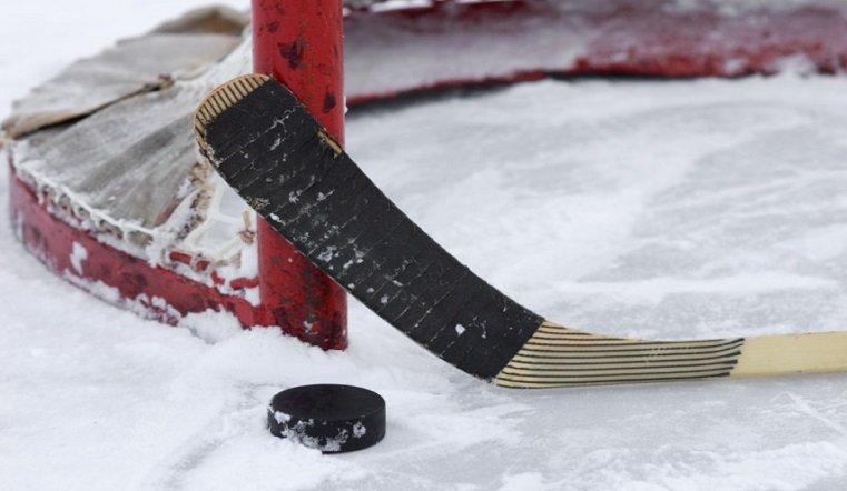 Вместо зрителей – баннеры. В Магнитогорске открылся хоккейный мемориал Ромазана