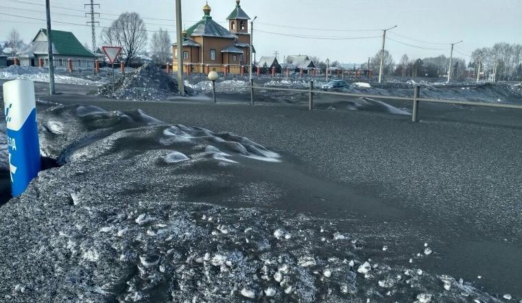 Черный снег выпал сразу в трех городах Кузбасса