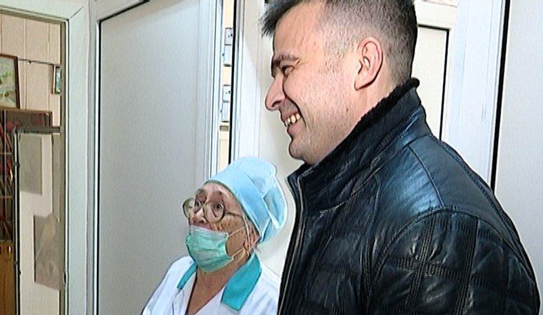 Встреча спустя 30 лет. Победивший рак южноуралец поблагодарил врачей и медсестер