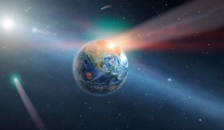 Такое бывает раз в 7 тыс лет. К Земле летит самая яркая комета
