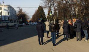 Пикет дольщиков у здания правительства Челябинской области