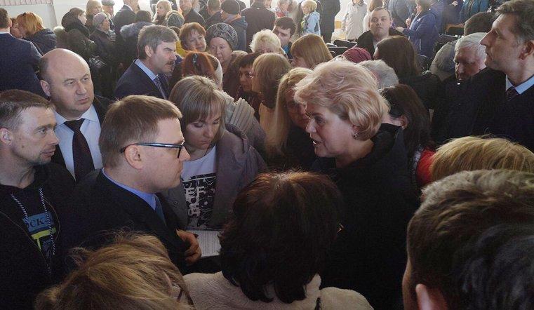 Текслер пообщался с жителями пострадавшего в Магнитогорске дома