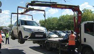 Машины в центре Челябинска будут эвакуировать с парковок 8 и 9 мая
