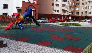 На Урале научились делать детские площадки из старых автопокрышек