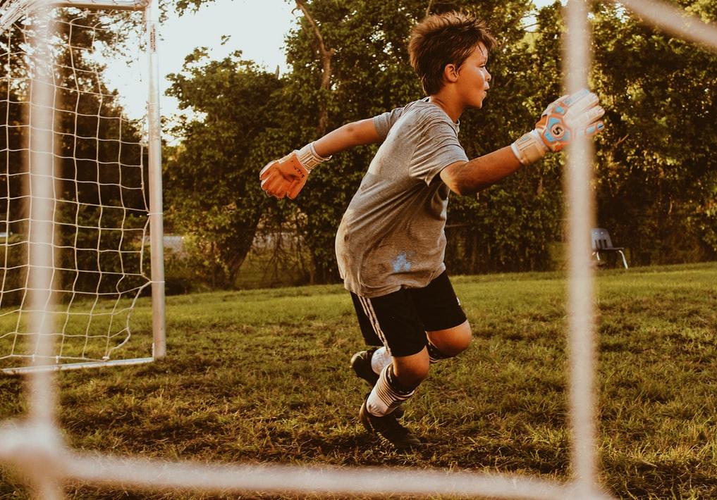 Хочу в футбол. Где дети могут тренироваться бесплатно в Челябинске?