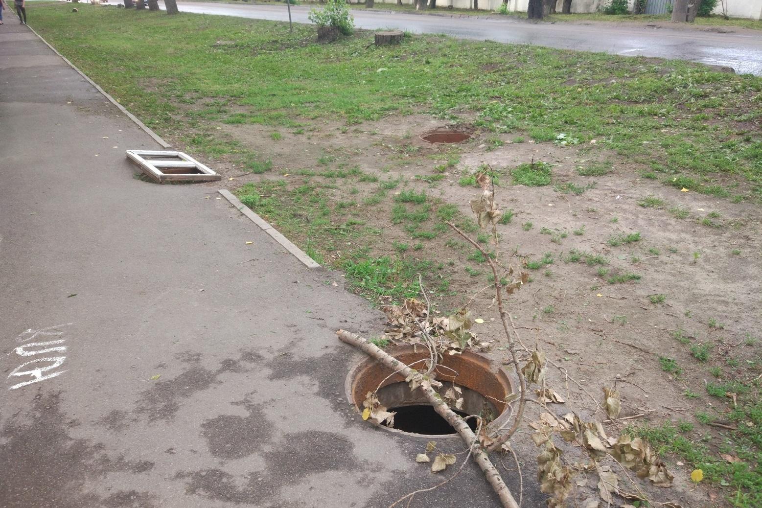 В Челябинске орудует банда похитителей люков