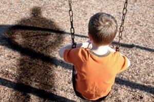 На Южном Урале мужчина пытался похитить ребенка с детской площадки