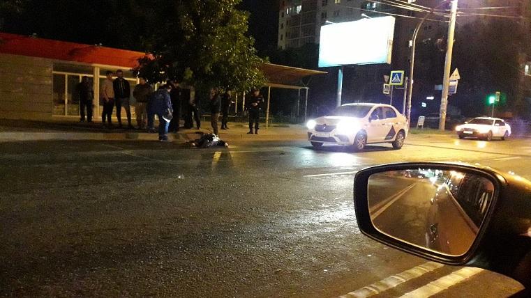 Бежал на красный? Полицейский погиб под колесами машины в Челябинске