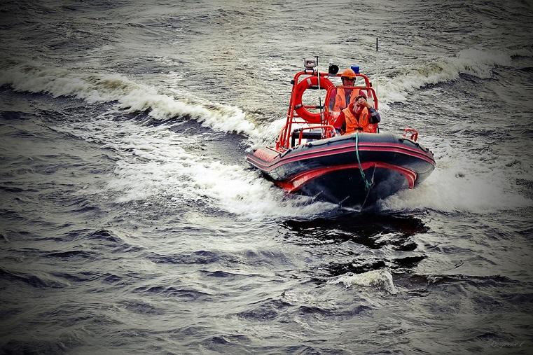 На Урале перевернулась лодка. Спасатели ищут тела погибших