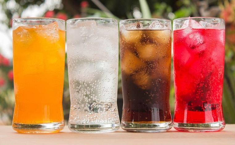 Под запретом. Медики рассказали, какие напитки нельзя пить после 50 лет