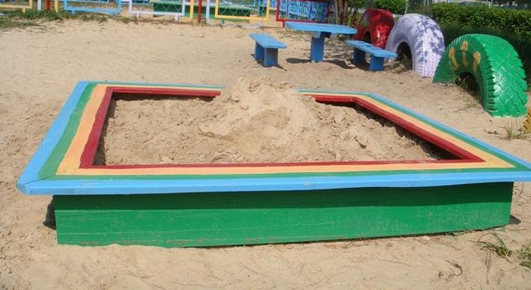 украли песок с площадки