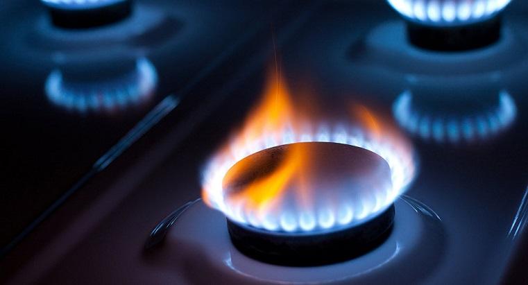 Долги зашкаливают. Поставщики света и газа не досчитались миллиардов рублей