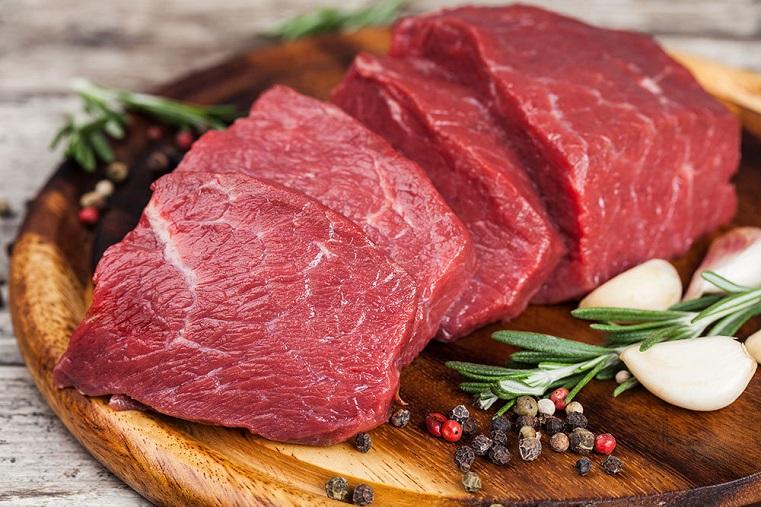 Врачи рассказали, кому необходимо отказаться от мяса