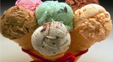 В сезон простуд нужно давать детям мороженое