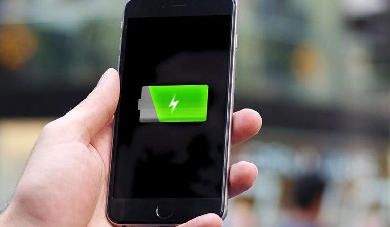 Всему свое время. Почему смартфон вредно заряжать ночью?
