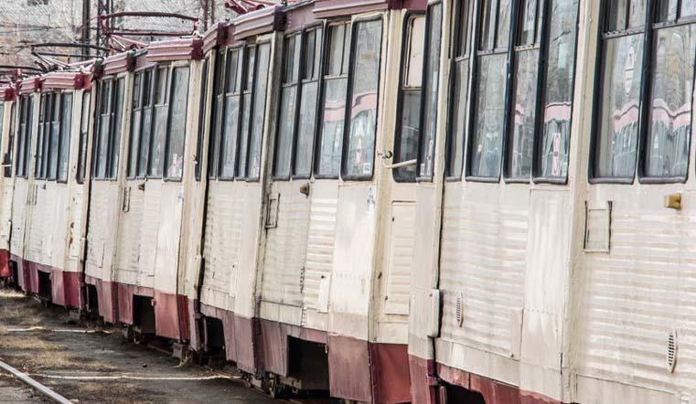 Пытался проскочить. Трамвай сбил женщину в Челябинске ВИДЕО