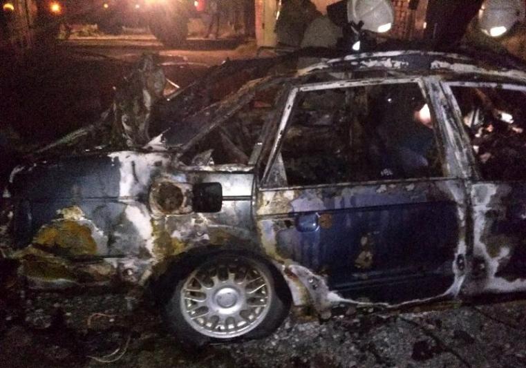 Пытался спасти машину. Южноуралец чуть не сгорел в своем авто