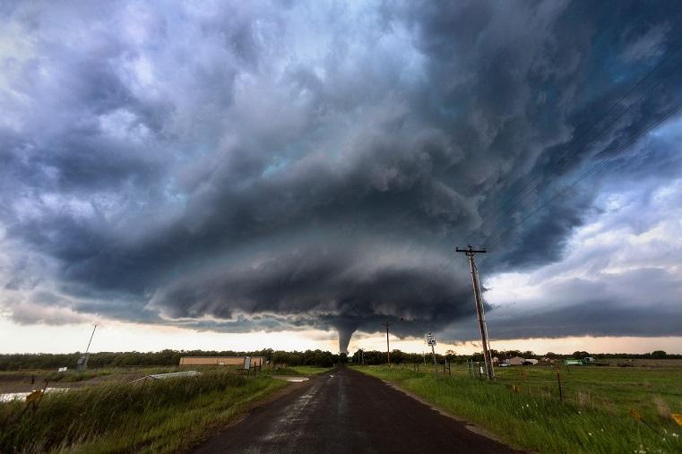 Сильнейший ураган готовится напасть на регионы России